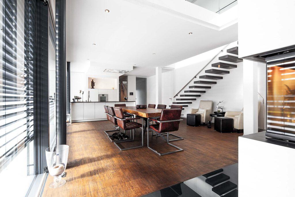 Moderne Architektur - Essbereich mit offener Küche